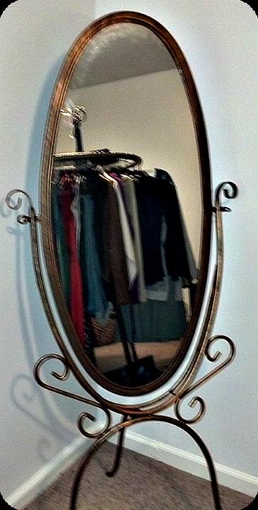 DIY Temporary Closet Mirror