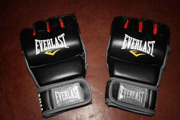 BODYCOMBAT MMA Style Boxing Gloves - Rx Fitness Lady